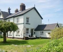 Snaptrip - Last minute cottages - Lovely Worcester Cottage S42129 -