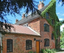 Snaptrip - Last minute cottages - Wonderful Derby Cottage S16566 -
