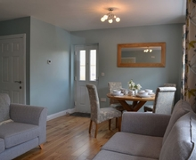Snaptrip - Holiday cottages - Charming Cambridge Cottage S27018 -