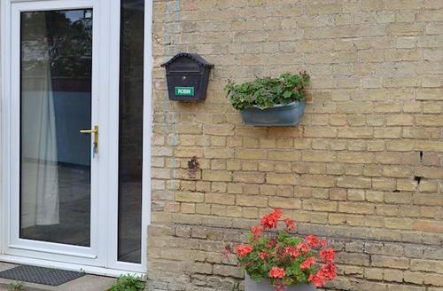 Snaptrip - Last minute cottages - Adorable Cambridge Lodge S40376 -