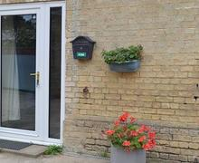 Snaptrip - Holiday cottages - Adorable Cambridge Lodge S40376 -