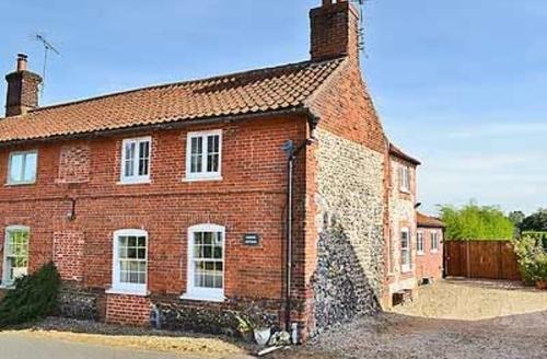Snaptrip - Last minute cottages - Captivating Dereham Cottage S17169 -