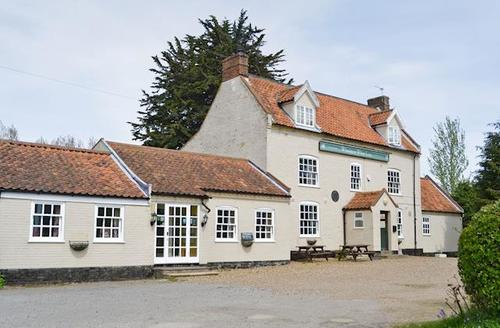 Snaptrip - Last minute cottages - Adorable Great Yarmouth Cottage S50296 -