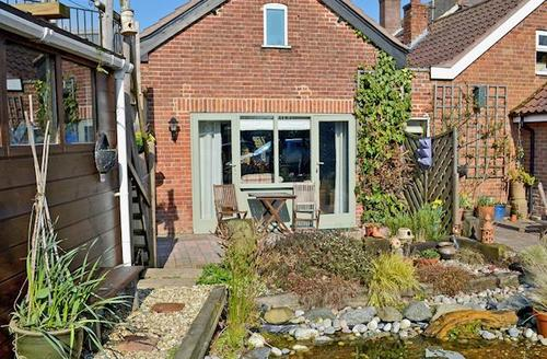 Snaptrip - Last minute cottages - Luxury Happisburgh Cottage S44467 -
