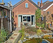 Snaptrip - Last minute cottages - Luxury Happisburgh Cottage S44467 -