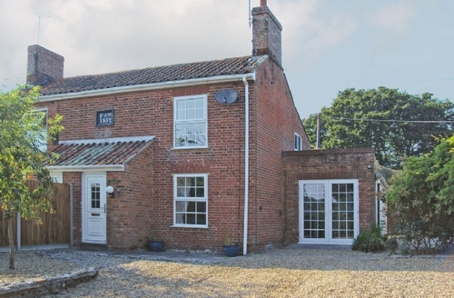 Snaptrip - Last minute cottages - Cosy North Walsham Cottage S17573 -