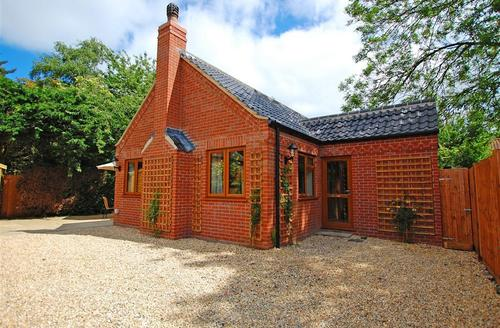 Snaptrip - Last minute cottages - Charming South Walsham Rental S11772 - Exterior