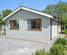 Snaptrip - Last minute cottages - Stunning Blackpool Cottage S33743 -