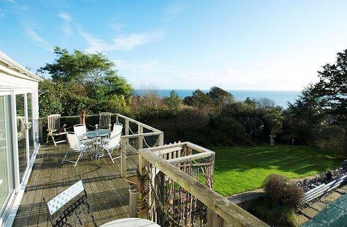 Snaptrip - Last minute cottages - Tasteful Lyme Regis Breeze S1033 - Decked balcony offering sea views