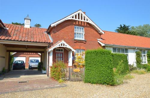 Snaptrip - Last minute cottages - Attractive West Runton Rental S11853 - Exterior