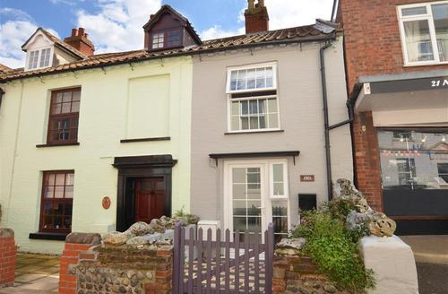 Snaptrip - Last minute cottages - Stunning Cromer Rental S11867 - Exterior