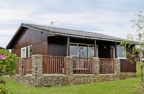 Snaptrip - Last minute cottages - Captivating Hartland Lodge S19125 -