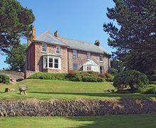 Snaptrip - Last minute cottages - Tasteful Woolacombe Cottage S19252 -