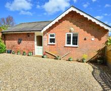 Snaptrip - Last minute cottages - Lovely Reepham Rental S11933 - Exterior