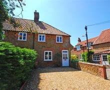 Snaptrip - Last minute cottages - Attractive Heacham Rental S11995 - Exterior view