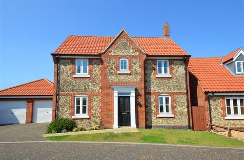 Snaptrip - Last minute cottages - Gorgeous Mundesley Rental S12007 - Exterior