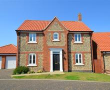 Snaptrip - Last minute cottages - Gorgeous Mundesley Rental S12007 - Exterior