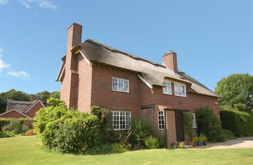 Snaptrip - Last minute cottages - Gorgeous Ranworth Rental S12010 - Exterior view