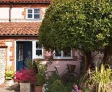 Snaptrip - Last minute cottages - Adorable Burnham Market Rental S12022 - Exterior View