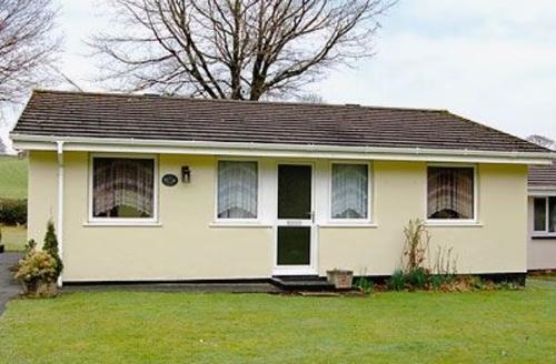 Snaptrip - Last minute cottages - Attractive Liskeard Cottage S21001 -