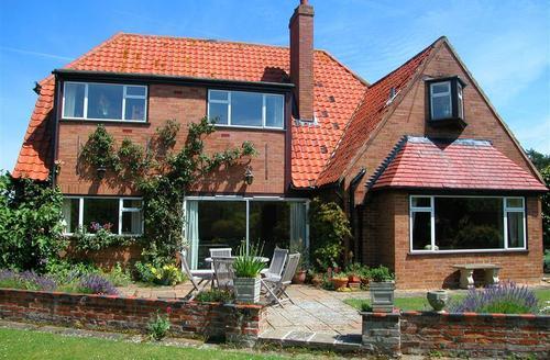 Snaptrip - Last minute cottages - Luxury Nr Hunstanton Rental S12071 - Exterior