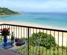Snaptrip - Last minute cottages - Attractive St Ives Apartment S57589 -