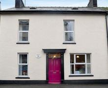 Snaptrip - Last minute cottages - Delightful Llandrindod Wells Cottage S44984 -