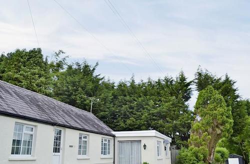 Snaptrip - Last minute cottages - Captivating Llandysul Cottage S59204 -