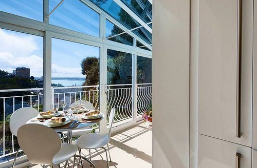 Snaptrip - Last minute cottages - Delightful Torquay Heights S1059 - View from the dining area
