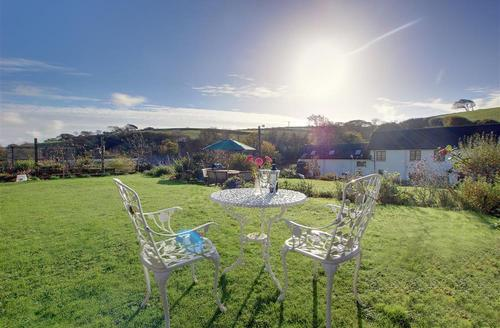 Snaptrip - Last minute cottages - Excellent Braunton Rental S12105 - Garden