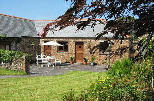 Snaptrip - Last minute cottages - Captivating Nr Torrington Rental S12110 - External - View 1