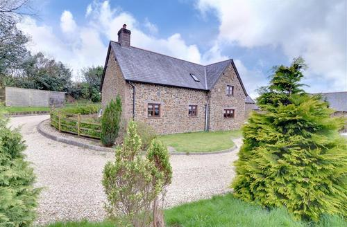 Snaptrip - Last minute cottages - Attractive North Molton Rental S12125 - External - View 1