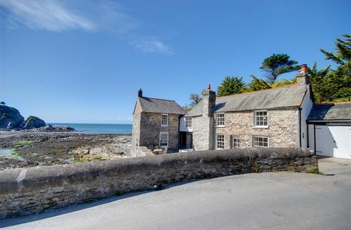 Snaptrip - Last minute cottages - Luxury Lee Rental S12136 - External