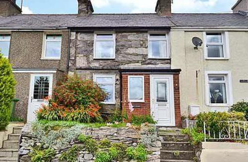 Snaptrip - Last minute cottages - Splendid Caernarfon Cottage S22212 -