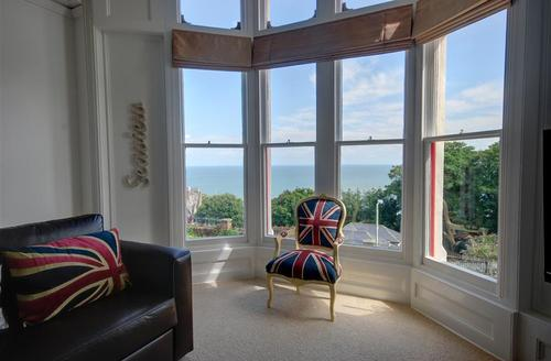 Snaptrip - Last minute cottages - Quaint Ilfracombe  Rental S12143 - Sitting Room - View 3