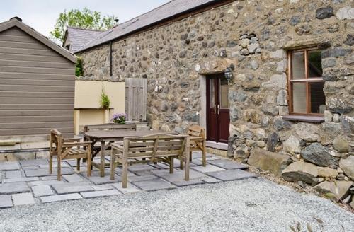 Snaptrip - Last minute cottages - Captivating Nefyn Cottage S22313 -