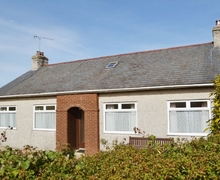 Snaptrip - Last minute cottages - Inviting Nefyn Cottage S22304 -