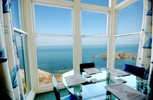 Snaptrip - Last minute cottages - Lovely Ilfracombe Rental S12147 - View 1 from Dining Area