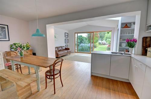 Snaptrip - Last minute cottages - Wonderful Braunton  Rental S12161 - Open Plan Living Area - View 1
