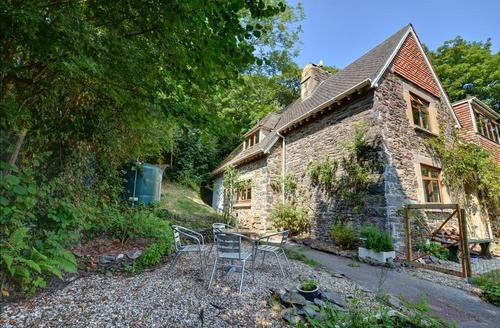 Snaptrip - Last minute cottages - Exquisite Lynton Rental S12220 - External - View 1