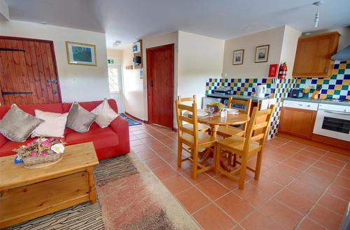Snaptrip - Last minute cottages - Excellent South Molton Rental S12236 - Open Plan Living Area - View 2
