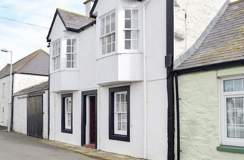 Snaptrip - Last minute cottages - Attractive Kirkcudbright Cottage S72021 -
