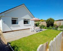 Snaptrip - Last minute cottages - Attractive Croyde Rental S12248 - External - View 1