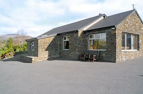Snaptrip - Last minute cottages - Excellent Glengariff Cottage S23890 -