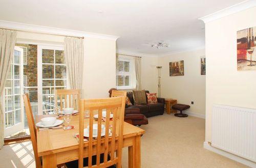 Snaptrip - Last minute cottages - Exquisite Tavistock Heights S1078 - Dining area