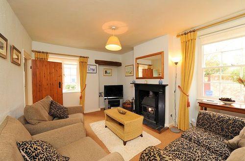 Snaptrip - Last minute cottages - Delightful Taunton Cottage S1079 - Living area