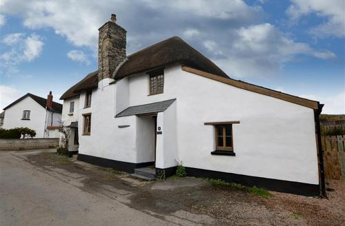 Snaptrip - Last minute cottages - Cosy Saunton Rental S12284 - Lapwing Cottage