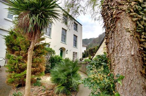 Snaptrip - Last minute cottages - Quaint Lynmouth Rental S12292 - External - View 1