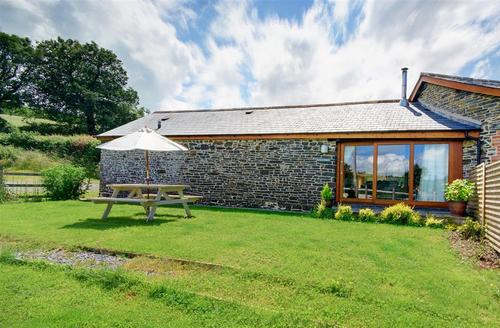 Snaptrip - Last minute cottages - Cosy Umberleigh Rental S12293 - KING - Kingfisher 1