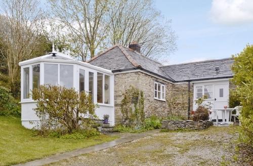 Snaptrip - Last minute cottages - Inviting Wadebridge Cottage S24548 -